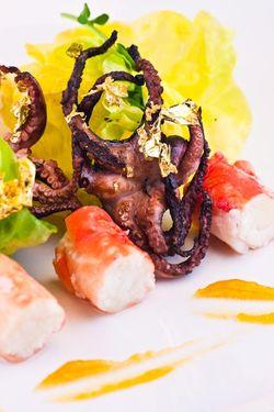SALAD octopus & crab Las Vegas style