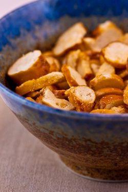 MICEL. pretzel croutons
