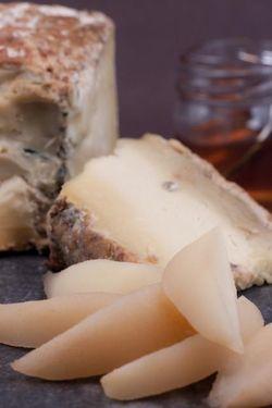 FRUIT pear & cheese (bartlett pear)