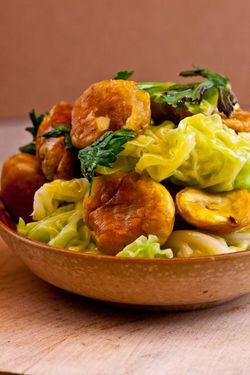 VEGETABLES chestnuts and nappa cabbage