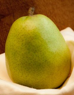 FRUIT pear (anjou pear)