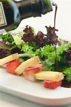 Salad, oil