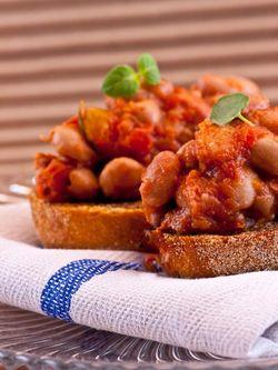 Bruschetta beans, redwine