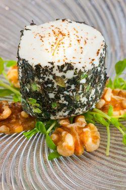 WALNUT goat cheese salad