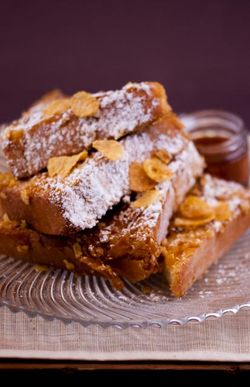 FRENCH TOAST pretty plate