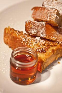 FRENCH TOAST on plate with maple syrup
